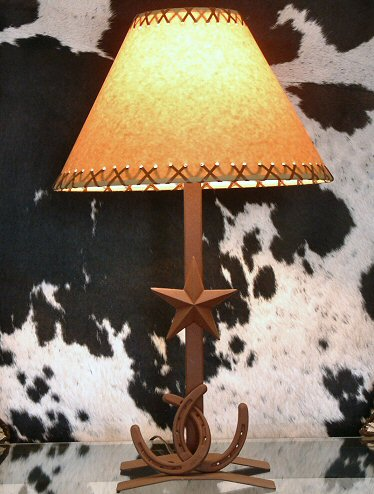 "Crossed Horseshoe w/Star Lamp ) 17""( W/  14"" Shade) Plain (STAR BASE)"